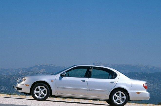 2001-nissan-maxima-sedan-06.jpg