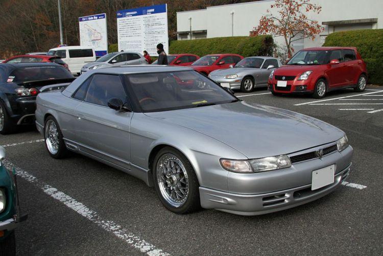 Mazda_Eunos_Cosmo.thumb.jpg.38a93f059ecd