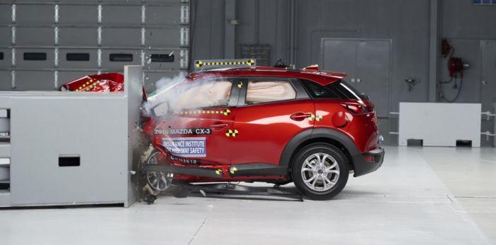 Mazda CX-3 IIHS 5 Farklı Çarpışma Testinden Tam Not Aldı