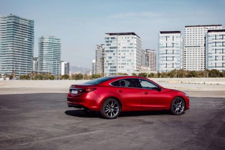 2017-Mazda6_Sedan_Still_23.jpg