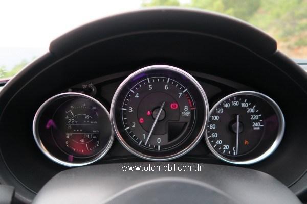 yeni_Mazda_MX-5-kadran.jpg