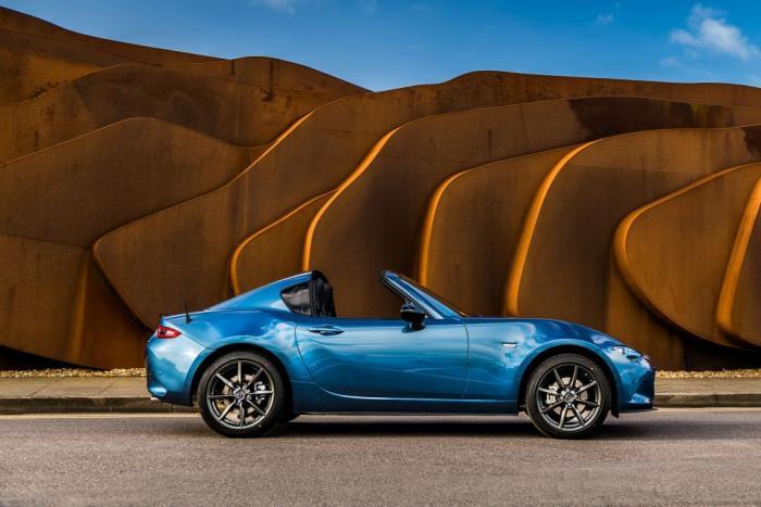 Mazda MX-5 RF Sport Black Sınırlı Sayıda Üretilecek