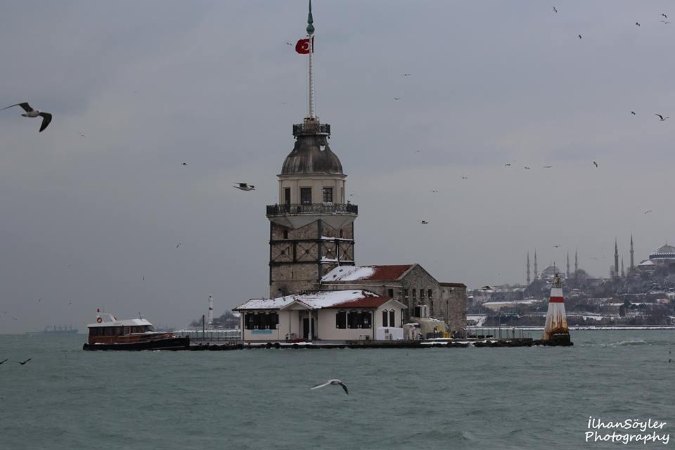 Soğuk ve Karlı Bir İstanbul Günü