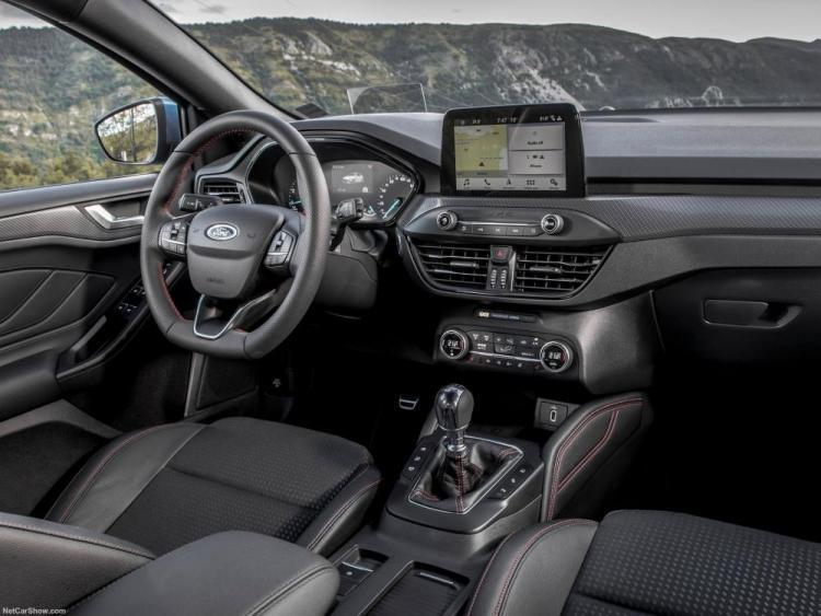 Ford-Focus_ST-Line-2019-1600-39.thumb.jpg.e8286997a10645c7c024d26b763e9eca.jpg