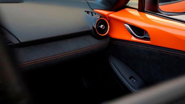 Mazda-MX-5-Miata-interior.jpg